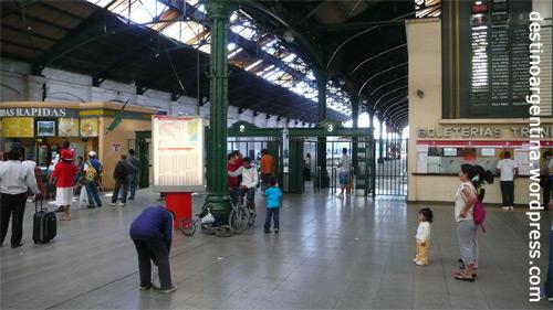 Bahnhof Nummer 3 des Bahnhofkomplexs Retiro in Buenos Aires