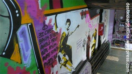 Graffiti in der Galeria Bond Street in Buenos Aires