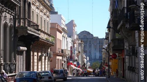 Altstadt von Montevideo mit Blick aus der Avenida Perez Castellanos
