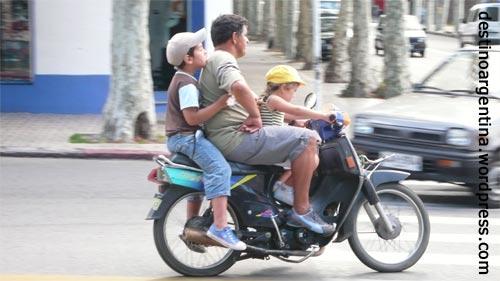 Freie Fahrt für freie Bürger in Colonia del Sacramento in Uruguay