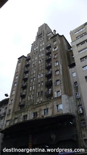 Palacio Díaz in Avenida 18 de Julio in Montevideo Uruguay