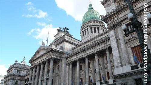 Seitenansicht des Congreso de la Nación Argentina in Buenos Aires