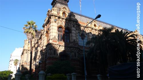 Unbekanntes Gebäude in der Avenida Cordoba in Buenos Aires