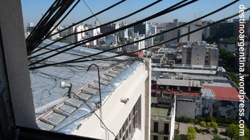 """""""Das Internet"""" über den Dächern von Buenos Aires"""