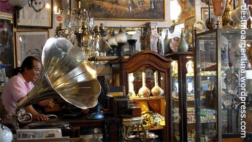Eines der vielen Antiquitätengeschäfte in San Telmo Buenos Aires