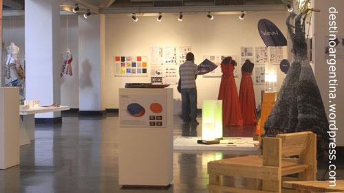 Industrie- und Modedesign Ausstellung in Montevideo Subte