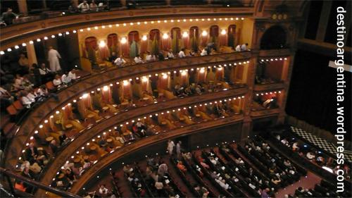 Rossinis L'Italiana in Algeri in der La Nueva Opera de Buenos Aires