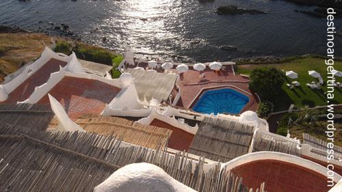 Terrassen in der Casa Pueblo an der Punta Ballena nahe Punta del Este in Uruguay