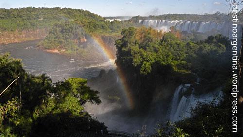 Blick auf die Isla San Martín im Iguazu Nationalpark Argentinien