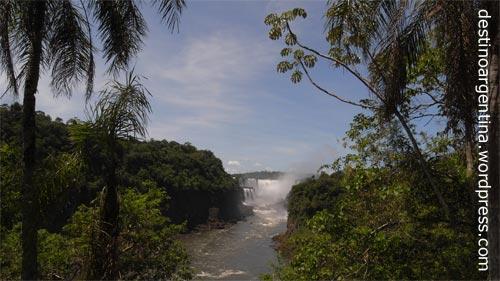 Blick in die Garganta del Diablo im Parque Nacional Iguazu in Argentinien