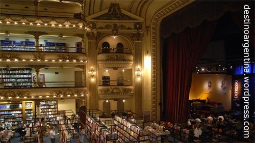 "Buchhandlung ""El Ateneo"" im ehemaligen Theater ""Grand Splendid"" in der Avenida Santa Fe in Buenos Aires"