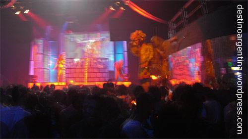 GoGo-Tänzer beim Club69 im Niceto Club in Palermo in Buenos Aires in Argentinien