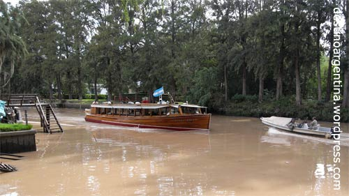Seitenarm der Rama Negra im Paraná-Delta in Tigre nahe Buenos Aires