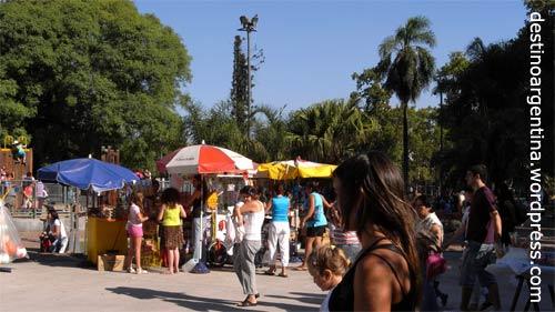 Sonntags im Parque del Centenario in Caballito, Buenos Aires