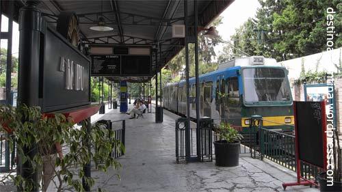 Zugstation Maipu in Buenos Aires, wo der Tren de la Costa nach Tigre fährt