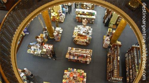 "Treppenaufgang im ehemaligen Theater ""Grand Splendid"", heute Buchhandlung ""El Ateneo"" in der Avenida Santa Fe in Buenos Aires"