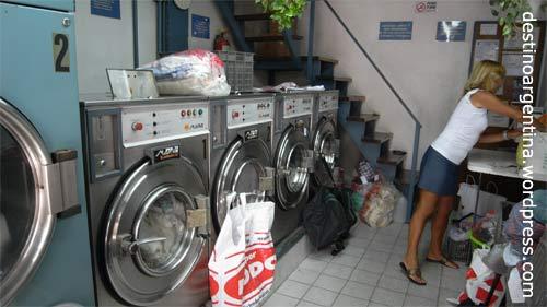 """Die süße, kleine Wäscherei """"Lav Telmo"""" in der Independencia 510 in Buenos Aires"""