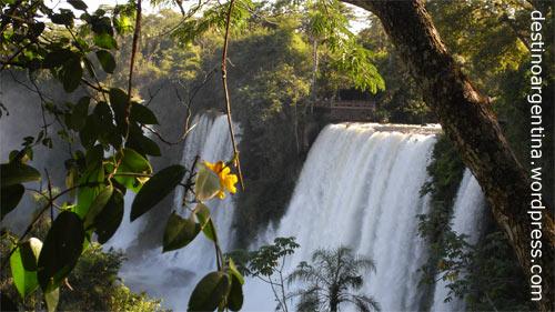 Wasserfall Salto Bossetti im Parque Nacional Iguazú in der Provinz Misiones in Argentinien