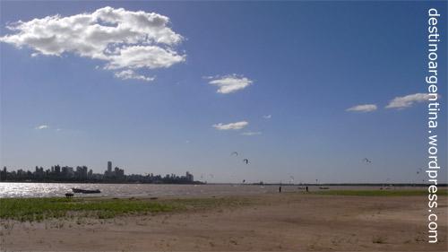 Strandidylle auf den Inseln im Río Paraná in Rosario, Argentinien